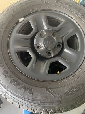 """Jeep Wheels and Tires 17"""" for Sale in Phoenix, AZ"""