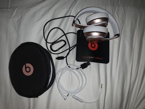 Beats Solo 3 Rose Gold Bluetooth for Sale in Lowell, MA