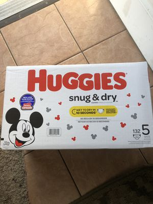 HUGGIES SNUGGLERS DIAPERS SIZE 5 for Sale in Tacoma, WA