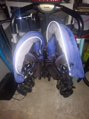 Carreola gratis FREE DOUBLE STROLLER for Sale in Lynwood, CA