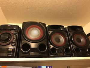 Lg Bluetooth and flash drive stereo system with bass for Sale in Fresno, CA