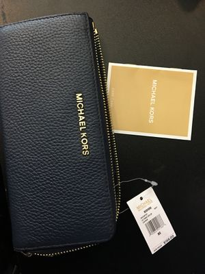 BRAND NEW Michael Kors Wallet NEVER USED for Sale in Washington, DC