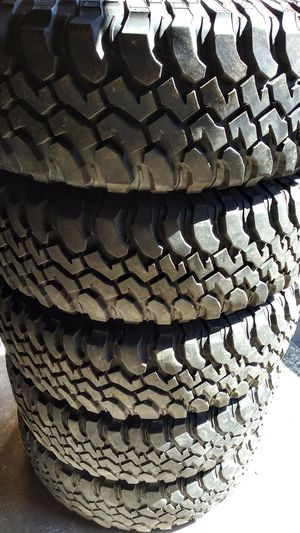 Set 5 bfgodrich tires no rims LT255/75R17 for Sale in Vancouver, WA