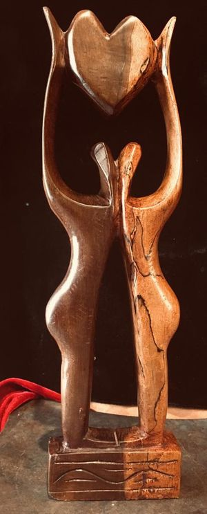 Solid wood vintage sculpture H15xW4.5xD1.5 inch, Lbs 1.4 Very good condition for Sale in Chandler, AZ