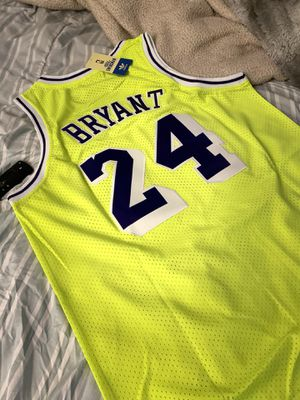 BRYANT LAKERS JERSEY for Sale in Lowell, MA