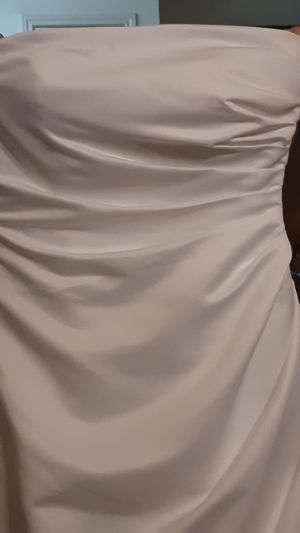 White dress and veil for Sale in Austin, TX