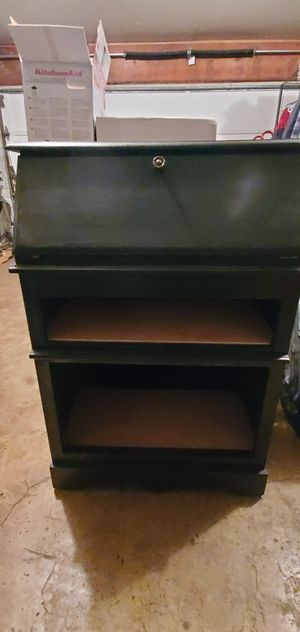 Cute little secretary desk for Sale in Kent, WA