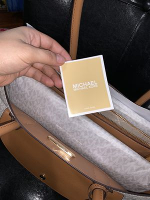 Micheal Kors XL Pocket Tote Bag for Sale in Baltimore, MD