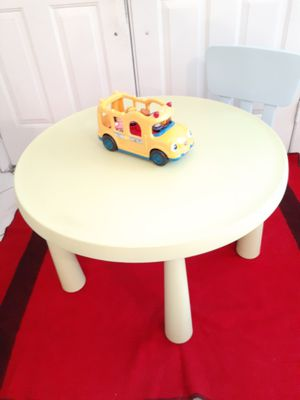 Kid's table with one chair for Sale in Hialeah, FL