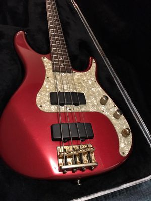 Peavey Bass Guitar for Sale in Lincoln, NE