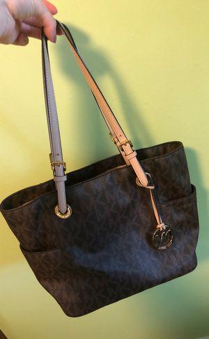 Large Shoulder Bag- Michael Khors brown for Sale in Fort Walton Beach, FL