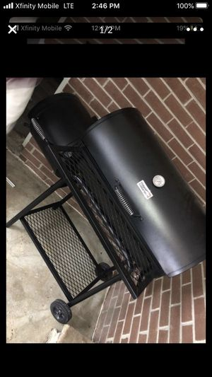 Brand new bbq grill and smoker for Sale in Jonesboro, GA