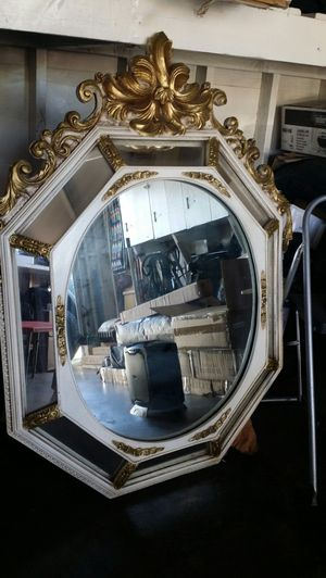 1978 antique mirror for Sale in Lakewood, CA