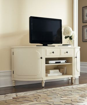 Home Decorators TV console for Sale in Elk Grove, CA