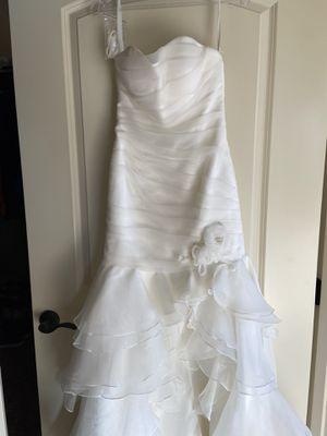 Never-Worn Wedding Dress- No bad juju just a weight gain! for Sale in Kennewick, WA