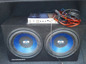 Amplifier and Magnum Subwoofer for Sale in Wayne, NJ