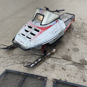 Snowmobile Runs But Doesn't Ride for Sale in McHenry, IL