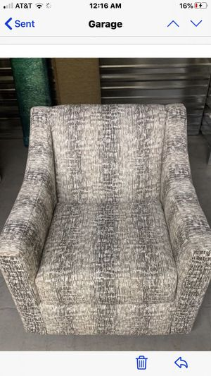Swivel Chair for Sale in Gig Harbor, WA