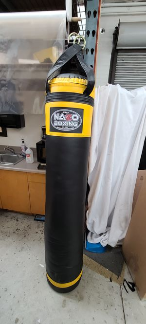 Punching bag muay thai boxing mma heavy bag for Sale in Los Angeles, CA