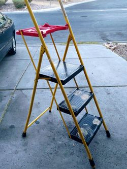 5ft Painters Ladder- Folds For Easy Storage for Sale in Henderson,  NV