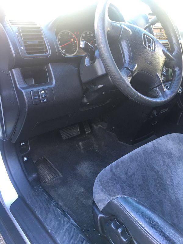 2002 Honda CRV 177000 miles, excellent condition, good tires, the engine runs good.