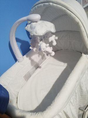 moises para bebes for Sale in City of Manassas, VA