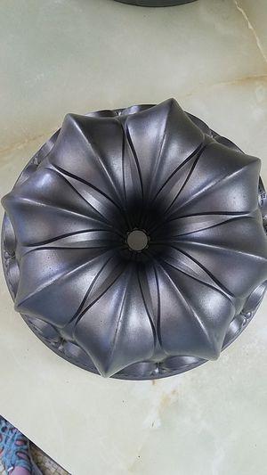 Nordic Ware Fleur De Lis bundt cake pan for Sale in Des Moines, WA