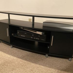 TV Stand - Like New- Very Cheap! for Sale in Bartlett, IL