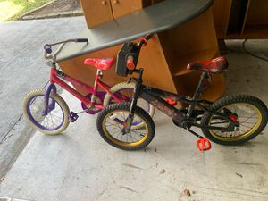 Boys and girls bike 10.00 both for Sale in Miami, FL