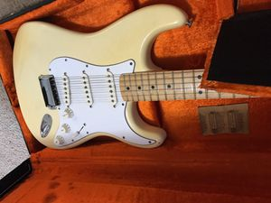 Fender American Vintage Reissue 70's Stratocaster Maple Neck for Sale in Lawrenceville, GA