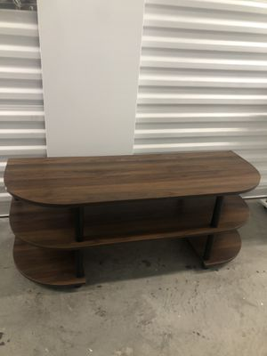 Small Tv stand 42x15 H16 for Sale in Las Vegas, NV