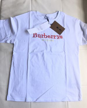 White Burberry t shirt for Sale in Miami, FL