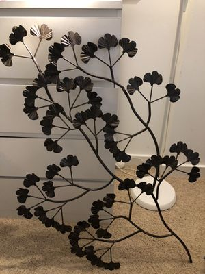 Metal tree decor for Sale in Washington, DC