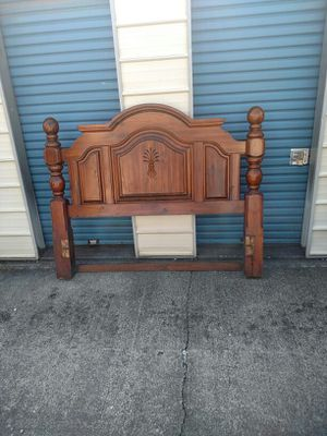 Antique bed for Sale in Kingsport, TN