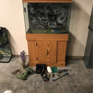 29g Aquarium w/ stand & accessories for Sale in Lake Stevens, WA