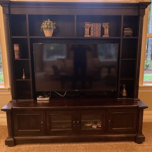 """TV Consul with Hutch & Mount - TV/computer etc. not included, Dark brown (TV Stand 80""""x24""""x24"""") (Hutch 80""""x 14""""x56"""") for Sale in Gig Harbor, WA"""