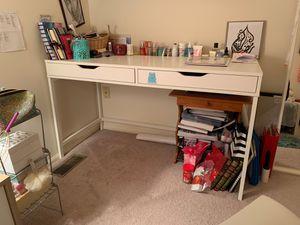 Ikea desk for Sale in Marlboro Township, NJ