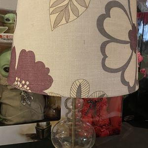 Burlap Flower Glass Vase In Excellent Condition for Sale in Anaheim, CA