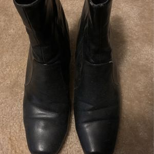 Woman Leather Brown Boots Size 8 1/2 for Sale in Weston, FL