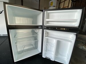 Whirlpool Mini fridge for Sale in Corona, CA