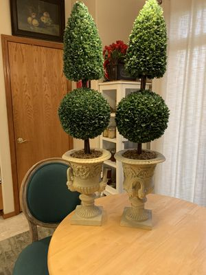 """Set Two 45"""" Topiary Faux Boxwoods in Pots for Sale in Gresham, OR"""
