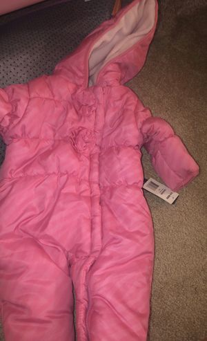 Baby Girl Snowsuit Steve Madden Brand New 6-9months for Sale in Chicago, IL