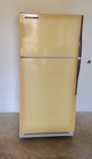 Refrigerator, 26 inch drop in self cleaning range, and dishwasher for Sale in Keizer, OR