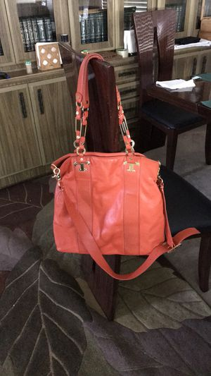 Tory Burch large bag crossbody large bag or tote hand shoulder bag for Sale in Lake Forest, CA