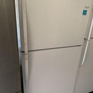 Whirlpool Top Freezer Refrigerator for Sale in Corona, CA