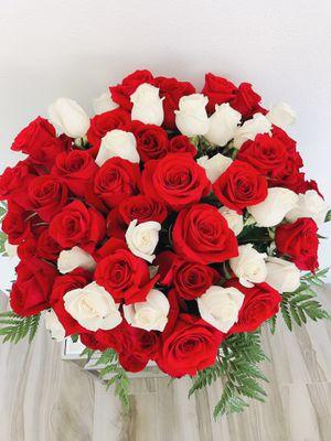 💯 rosas 🌹🌿 for Sale in Corona, CA