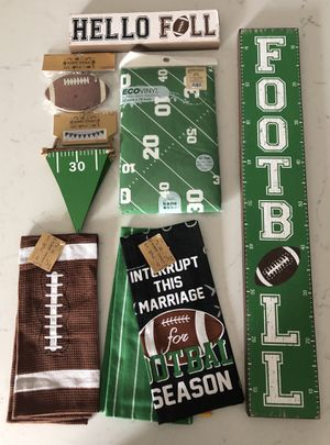 Football Decor Party Set 8 Pc Set NEW $25 for Sale in Hollywood, FL