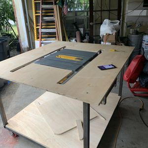 CUTTING TABLE for Sale in Houston, TX
