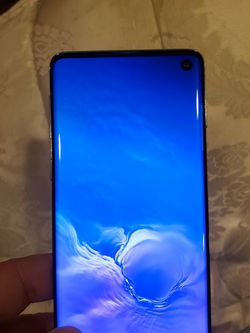 Like New!!!! Samsung Galaxy S10 128gb With Charger. Mint Condition And Unlocked. Can Be Used For Any Carrier for Sale in Lynnwood,  WA
