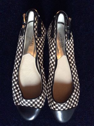 Michael Kors shoes-size 9 ladies for Sale in Portsmouth, VA